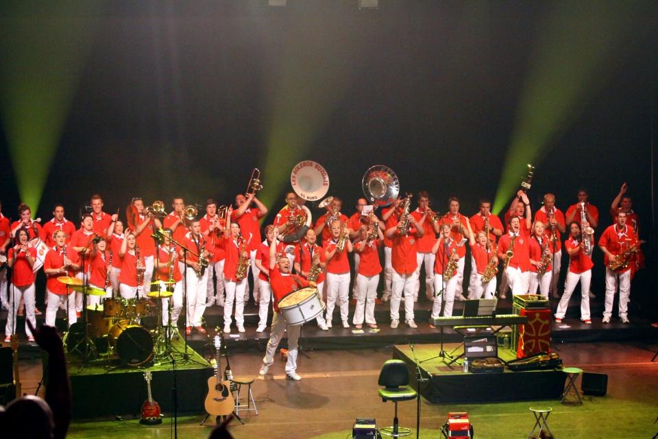 Photo de groupe à l'Olympia (Paris)2011), le 10 mai 2014